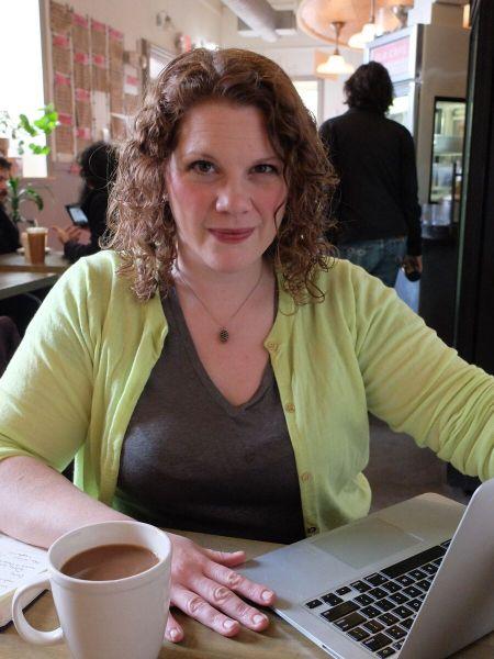 Laura Everett Author Photo