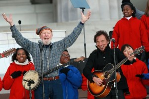 Pete-Seeger-and-Bruce-Springsteen-at-Lincoln-Memorial-2009-Justin-Sullivan-Getty-Images-630x420